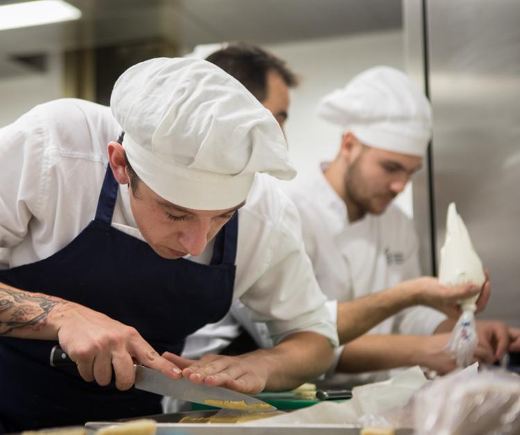 Alumnos de grado en cocina